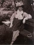 Н.И. Забела-Врубель в саду на хуторе Н.Н. Ге. 1900. ОР ГРМ, ф. 34, ед. хр. 77, л. 1